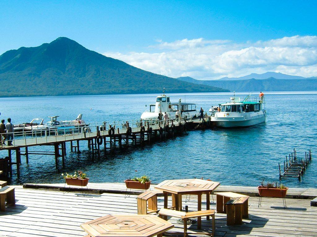 支笏湖と観光船のつながり